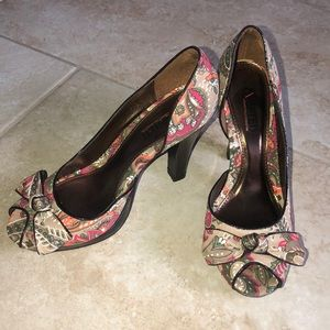 Floral heels with bow